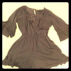 Abercrombie & Fitch Black ruffled romper M